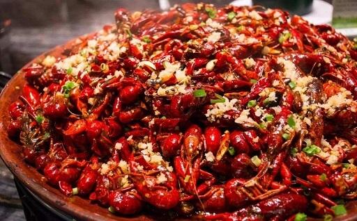 南京龙宫龙虾·美蛙鱼头火锅