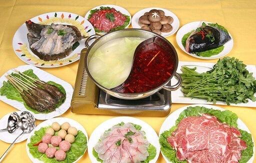 畅响老北京炭火铜锅涮肉