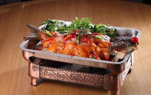 紫韵轩铁锅炖活鱼