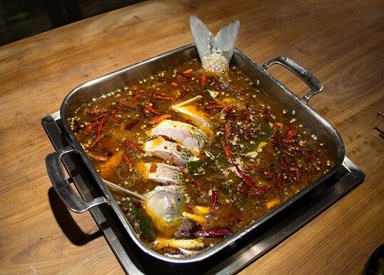 稻田捞渔生态鱼火锅